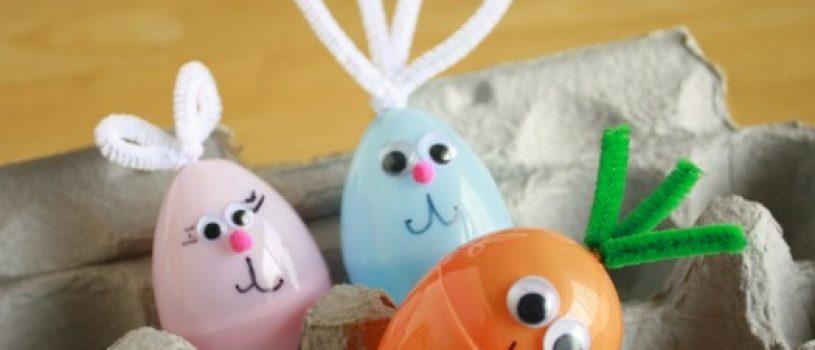 huevos de pascua con juguetes
