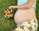 mama y frutas